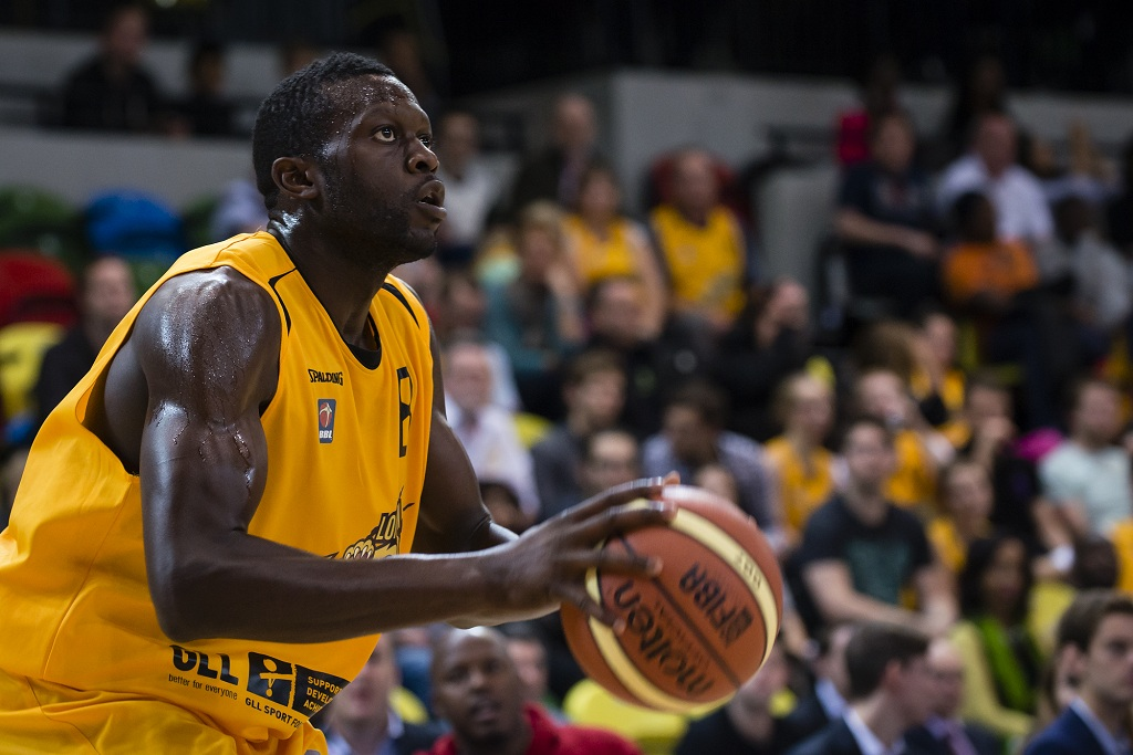 The London Lions win their first home game of the BBL season. The 80-75 Joe Ikhinmwin 22pts 14 rebounds